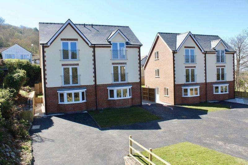 3 Bedrooms Semi Detached House for sale in Ffordd Tanrallt, Meliden