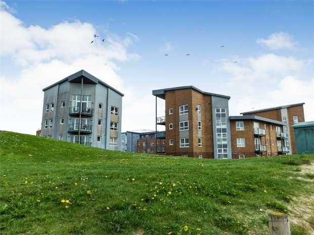 2 Bedrooms Flat for sale in Pentre Doc Y Gogledd, Llanelli, Carmarthenshire