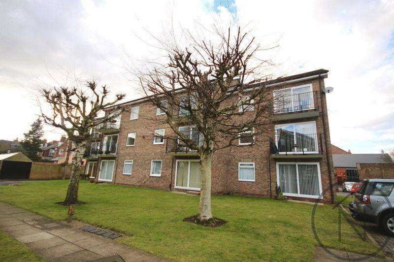 2 Bedrooms Apartment Flat for sale in Westcliffe Court, Darlington