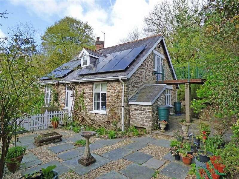 3 Bedrooms Detached House for sale in Lower Cleave, Northam, Bideford, Devon, EX39