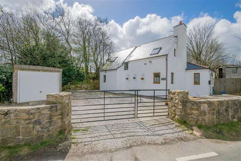 3 Bedrooms Detached House for sale in Rhydtalog Road, Graianrhyd, Mold