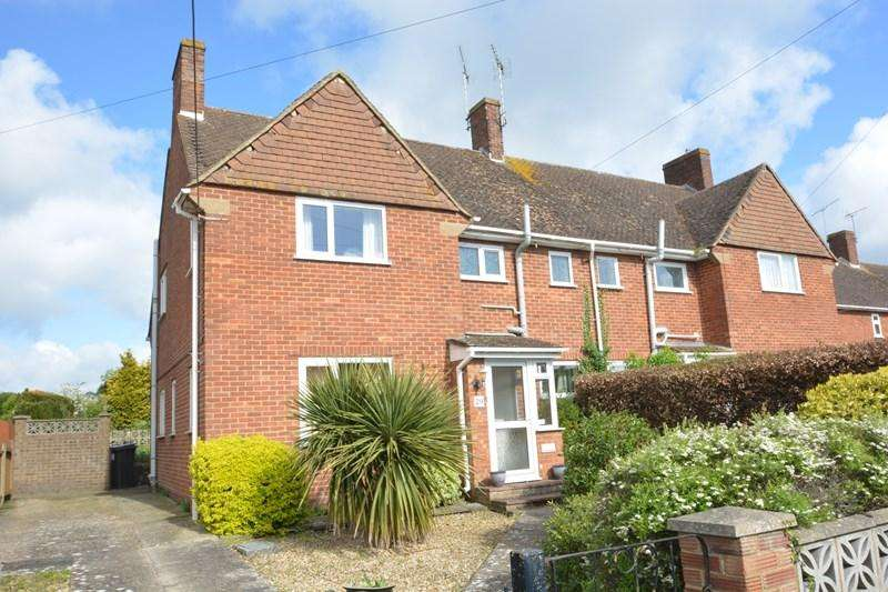 3 Bedrooms Semi Detached House for sale in Sarum Close, Shipton Bellinger, Tidworth
