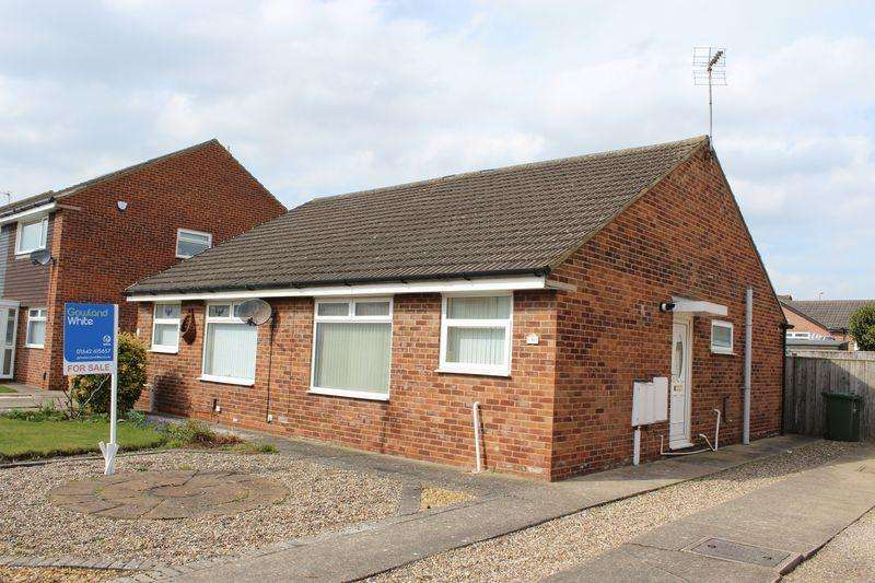 2 Bedrooms Semi Detached Bungalow for sale in Culross Grove, Fairfield, Stockton, TS19 7SQ