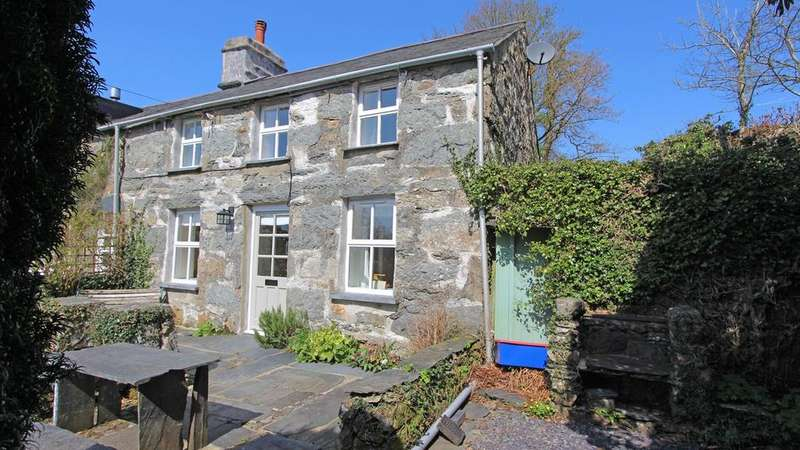 3 Bedrooms Semi Detached House for sale in Rhyd, Gwynedd, LL48