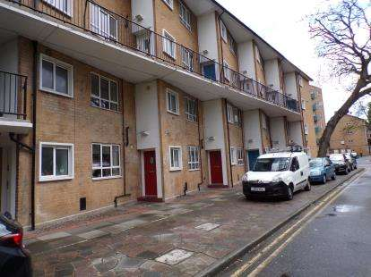 2 Bedrooms Maisonette Flat for sale in Gilpin House, Fore Street, Edmonton