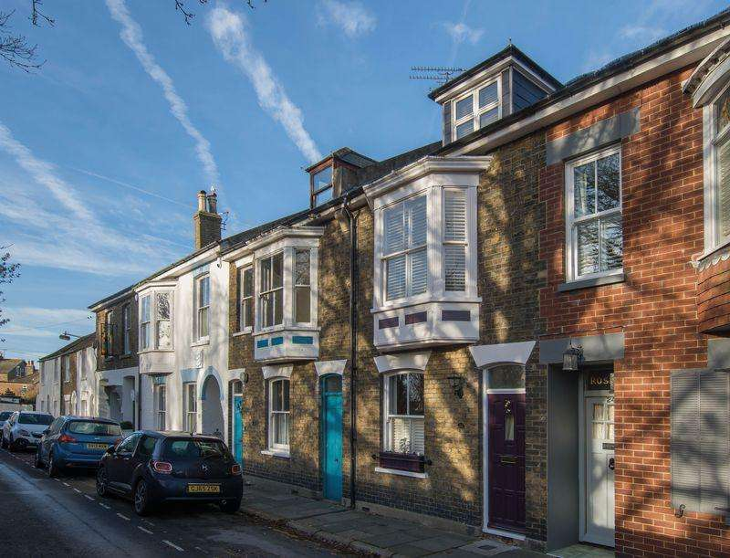 3 Bedrooms Terraced House for sale in Deal Conservation