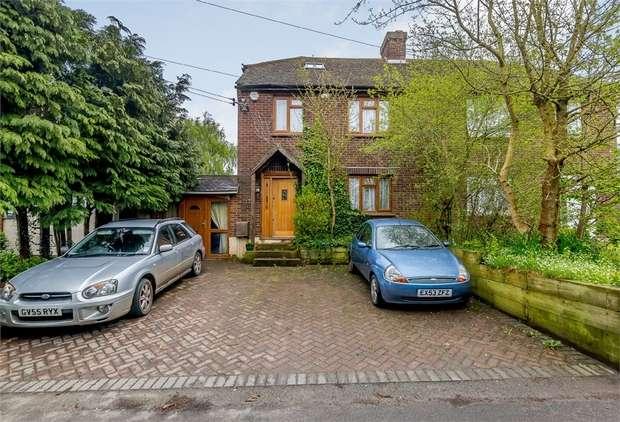 3 Bedrooms Semi Detached House for sale in Daltons Road, Crockenhill, Swanley, Kent