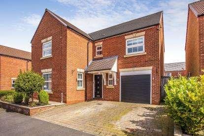 4 Bedrooms Detached House for sale in Heys Hunt, Leyland, Lancashire, .