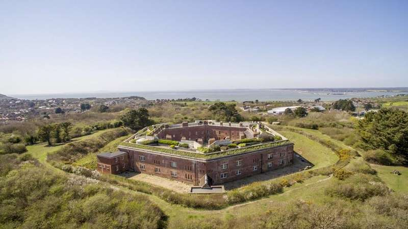 5 Bedrooms House for sale in Freshwater, Isle of Wight