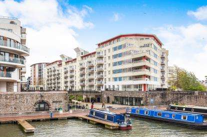 3 Bedrooms Flat for sale in The Crescent, Hannover Quay, Bristol