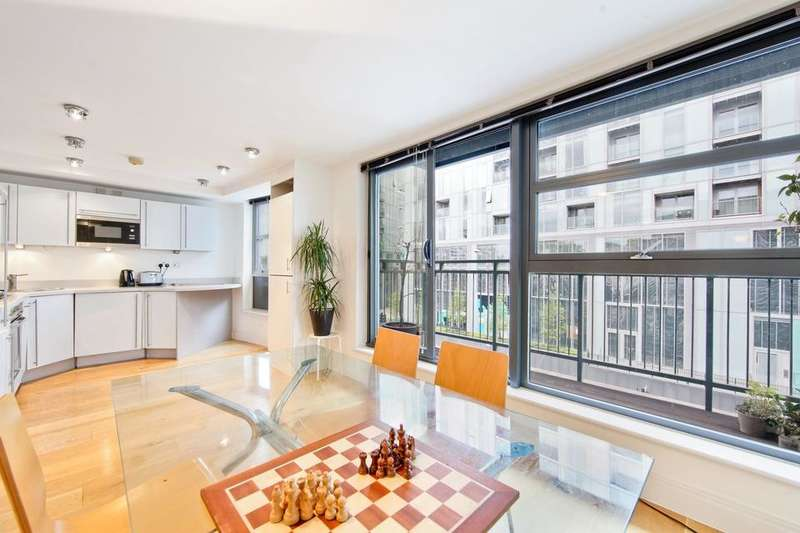 3 Bedrooms Flat for sale in Meridian Point, Creek Road, London SE8