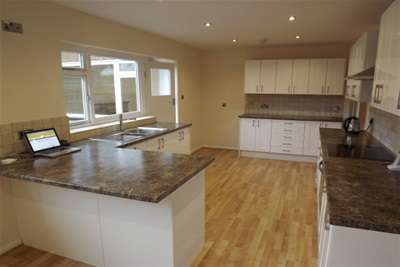 3 Bedrooms Bungalow for rent in Shirley Road, Mapperley Park, NG3 5DA