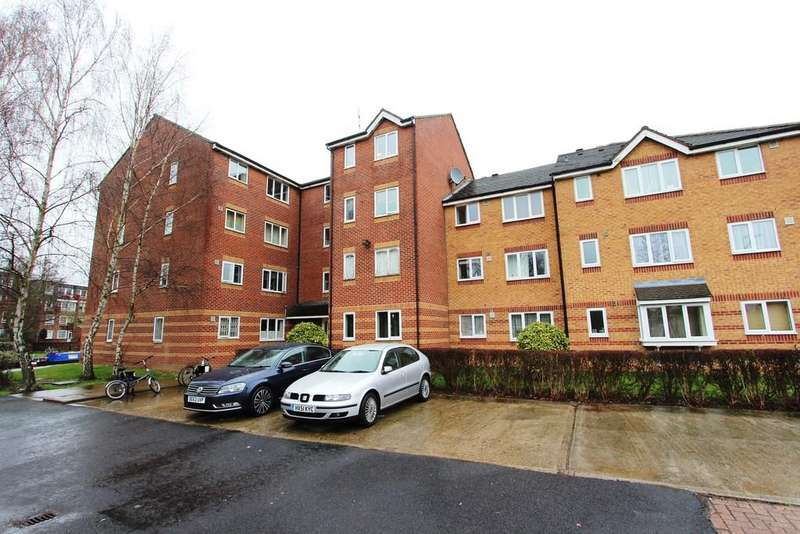 1 Bedroom Flat for sale in Bream Close, Tottenham, N17