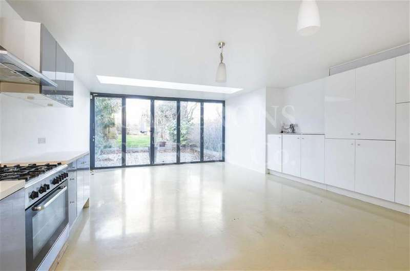 5 Bedrooms Terraced House for sale in Dundonald Road, Queens Park, London, NW10