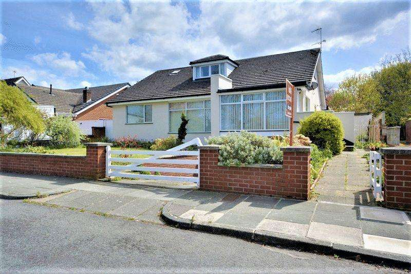 3 Bedrooms Detached Bungalow for sale in Fleetwood Road, Southport