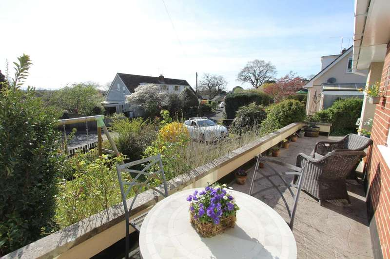 3 Bedrooms Semi Detached House for rent in Coombe Side, Brent Knoll