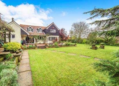 5 Bedrooms Detached House for sale in St James, Coltishall, Norfolk