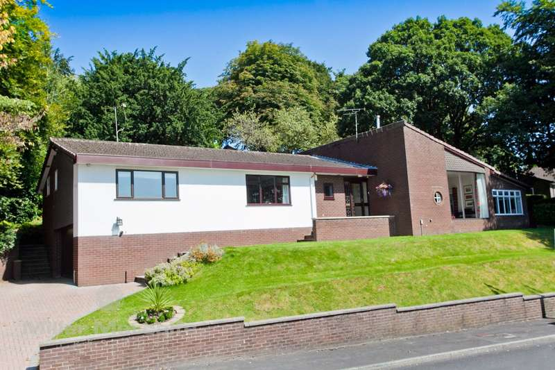 4 Bedrooms Detached House for sale in Whinslee Drive, Lostock, Bolton, BL6