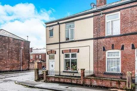 3 Bedrooms Terraced House for sale in Andrew Street, Bury, BL9