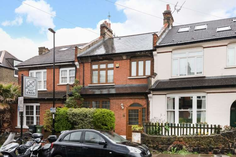 3 Bedrooms Terraced House for sale in Bankwell Road London SE13