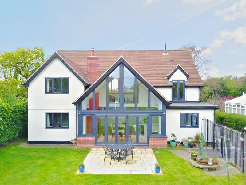 4 Bedrooms Detached House for sale in Bucklesham Road, Foxhall, IP10 0AA
