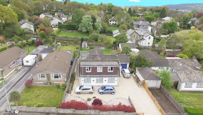 4 Bedrooms Detached Bungalow for sale in Chaucer Road, Tavistock