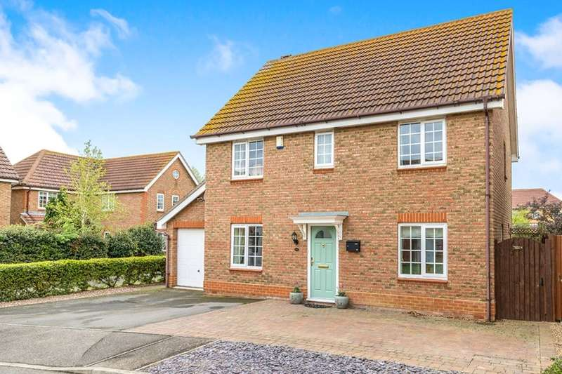 4 Bedrooms Detached House for sale in Penny Cress Road, SHEERNESS, ME12