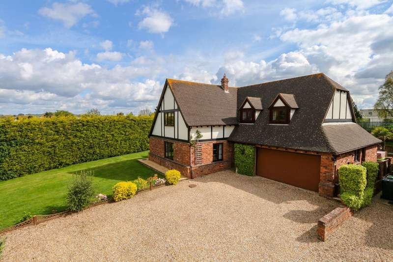 4 Bedrooms Detached House for sale in Badger Close, Exeter
