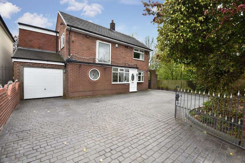 4 Bedrooms Detached House for sale in Simister Lane, Prestwich, Manchester, M25