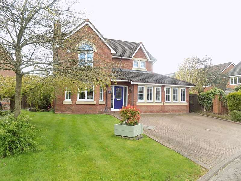 4 Bedrooms Detached House for sale in Pendle Gardens, Culcheth, Warrington, WA3
