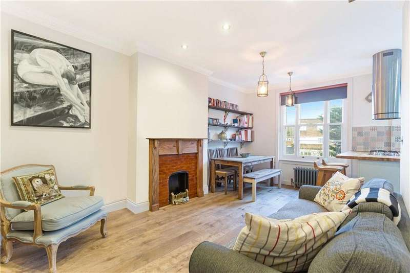 3 Bedrooms Flat for sale in Parkhurst Road, Holloway, London, N7