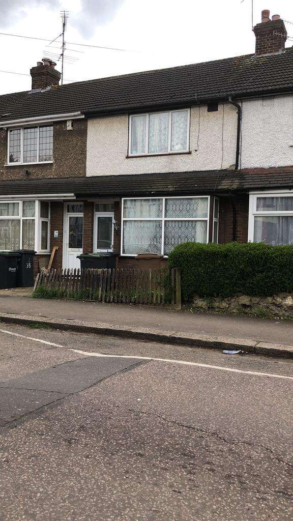 2 Bedrooms Terraced House for sale in Connaught Road, Luton, Bedfordshire LU4