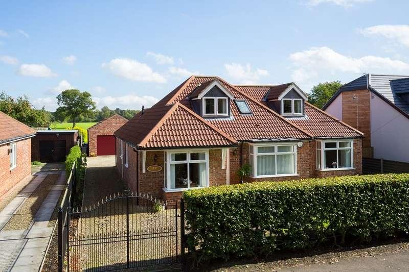 4 Bedrooms Detached Bungalow for sale in Moor Lane, Strensall, York, YO32