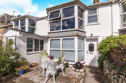 2 Bedrooms Terraced House for sale in Penzance, Cornwall, .
