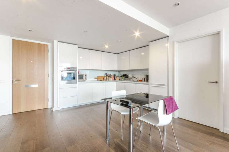 3 Bedrooms Flat for sale in Walworth Road, Elephant and Castle, SE1