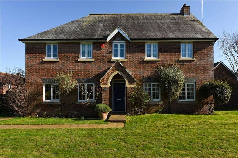 5 Bedrooms Detached House for sale in Kenelm Close, Sherborne, DT9