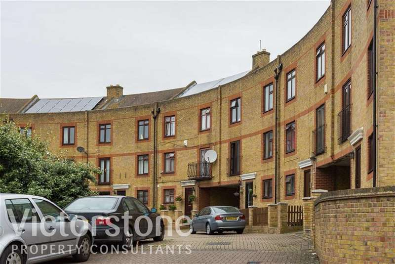 6 Bedrooms Terraced House for sale in Yarrow Crescent, Beckton, London