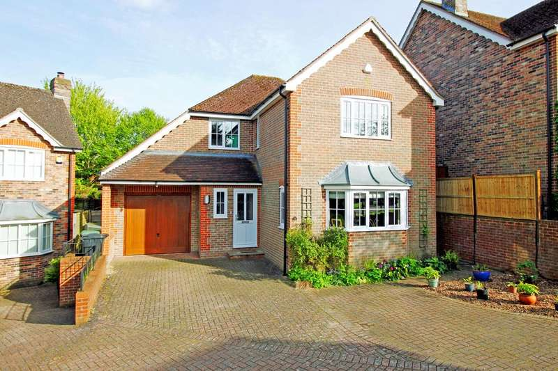 4 Bedrooms Detached House for sale in Hazelcombe, Overton RG25