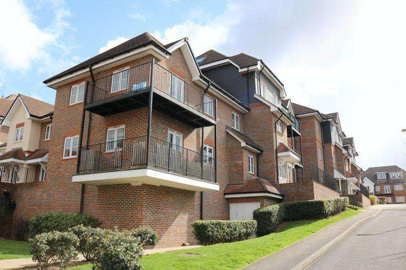2 Bedrooms Apartment Flat for sale in Near Loudwater - An Immaculately Presented Property