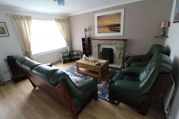 3 Bedrooms Semi Detached House for rent in Glentworth Avenue, Middlesbrough, TS3