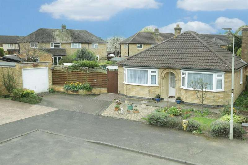 2 Bedrooms Detached Bungalow for sale in Astley Close, Market Harborough