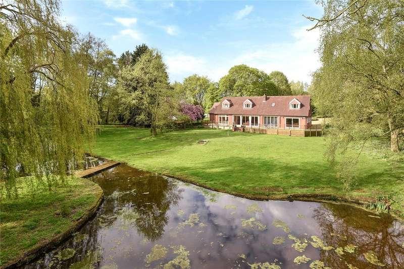 5 Bedrooms Detached House for sale in Buxton Road, Frettenham, Norwich