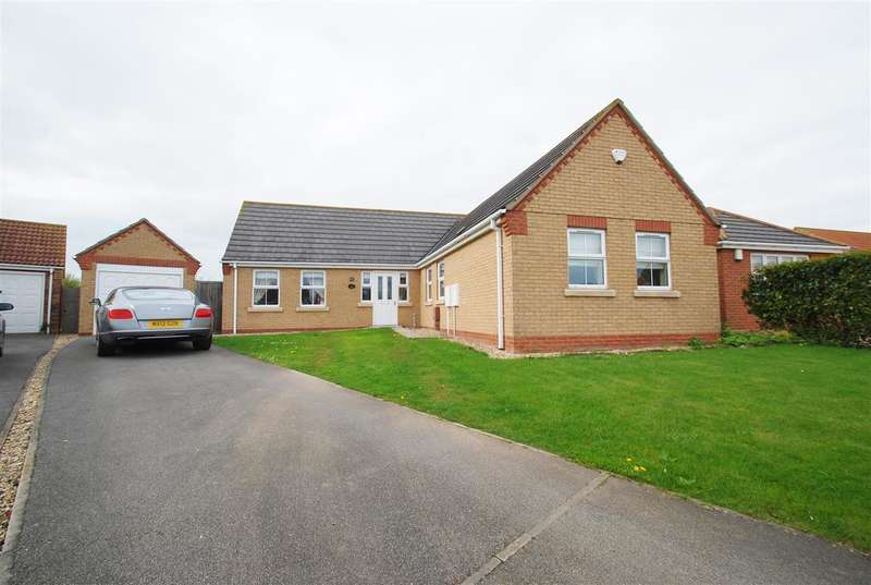 3 Bedrooms Bungalow for sale in Hides Close, Ingoldmells