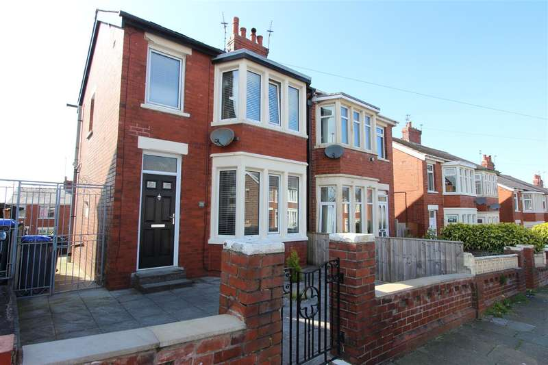 3 Bedrooms Semi Detached House for sale in Torsway Avenue, Blackpool