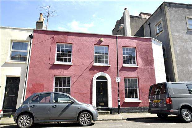 2 Bedrooms Terraced House for sale in Ivy Cottage, Bath Buildings, Bristol, BS6 5PT