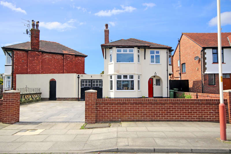3 Bedrooms Detached House for sale in Bibby Road, Southport
