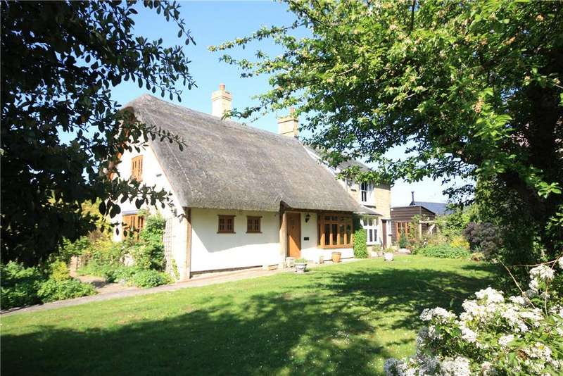 3 Bedrooms Detached House for sale in High Street, Fowlmere, Royston, Herts, SG8