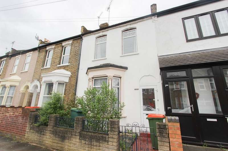3 Bedrooms Terraced House for sale in Caistor Park Road