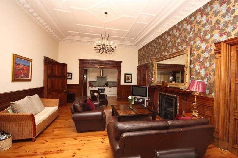 2 Bedrooms Flat for rent in Eglinton Crescent