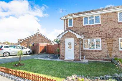 2 Bedrooms Semi Detached House for sale in Lon Glanfor, Abergele, Conwy, North Wales, LL22
